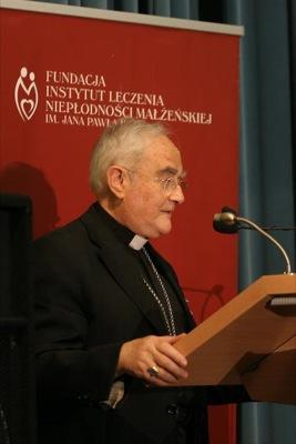 ks. abp Henryk Hoser