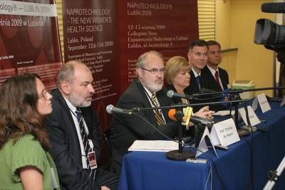 Konferencja prasowa (od lewej: dr Maciej Barczentewicz, prof. Thomas Hilgers, Sue Hilgers, dr Phil Boyle, dr Tadeusz Wasilewski)