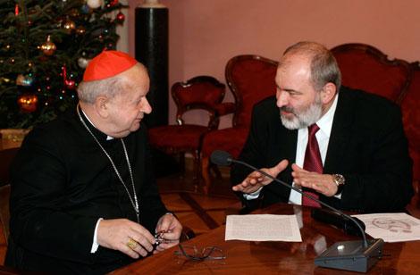 Jego Eminencja Kardynał Stanisław Dziwisz i Maciej Barczentewicz, Prezes Zarządu Fundacji